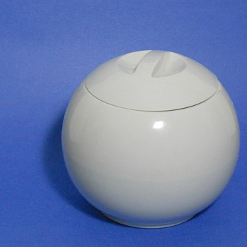 Hall China for Manning-Bowman Bean Pot - China and Dinnerware