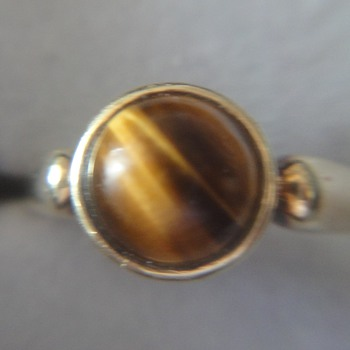 Simple 14K yellow gold Art Deco ring with tiger eye
