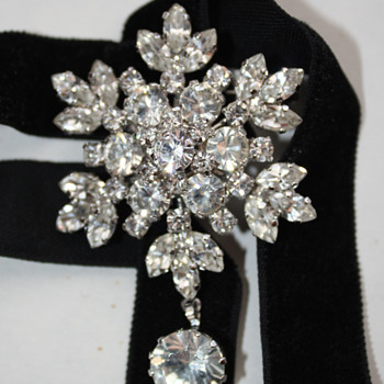 Star / snowflake brooch - Costume Jewelry