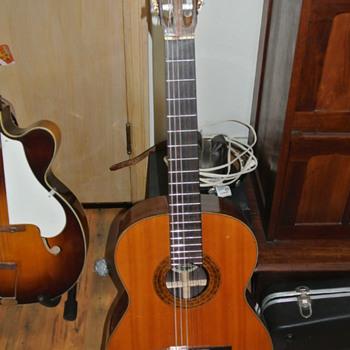 k. yairi y800 classical guitar circa 1960's - Musical Instruments