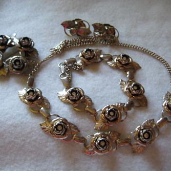 """UPDATE to an earlier post """"1940 Rose"""" Jewelry - Costume Jewelry"""