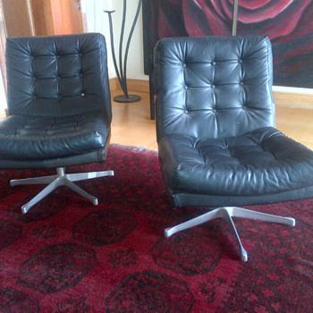 Seventies type swivel chairs