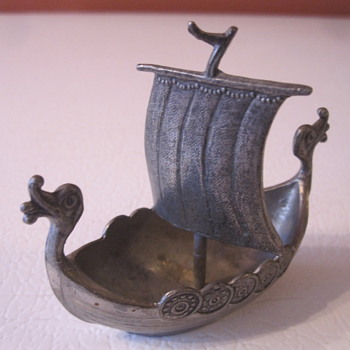 Viking Ship and Happy New Years to Everyone !