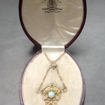 Art Nouveau 15ct gold Necklace - Art Nouveau
