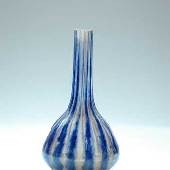 are miniature  bud vase  by charles schneider. circa 1914 - Art Glass