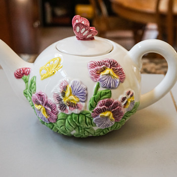 Floral Tea Pot with Butterfly Lid