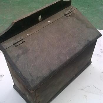 Wooden salt box. - Furniture
