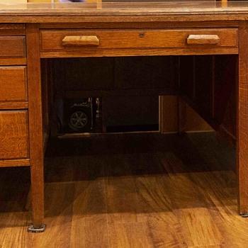 One-sided partner desk, solid oak - Furniture
