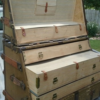 found a dresser trunk - Furniture