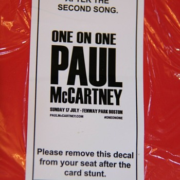 "Paul McCartney ""card stunt""- Boston-2016 - Music Memorabilia"