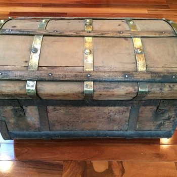 Jenny Lind 1860s 5 Brass Banded Trunk  - Furniture