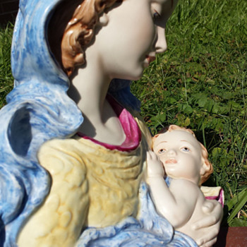 Madonna and child bust - Figurines