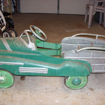 Antique Pedel Car Before Resteration - Model Cars