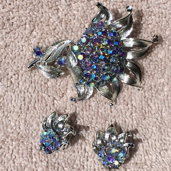 Mystery Vintage (?) Brooches - Costume Jewelry