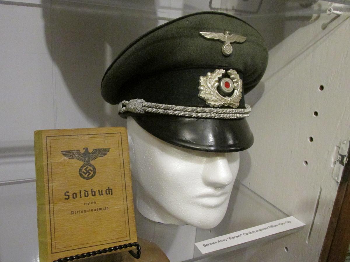 ea6c37bcb34 WWII German Army Officer