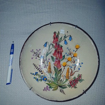 hand painted plate - unknown marks - Pottery