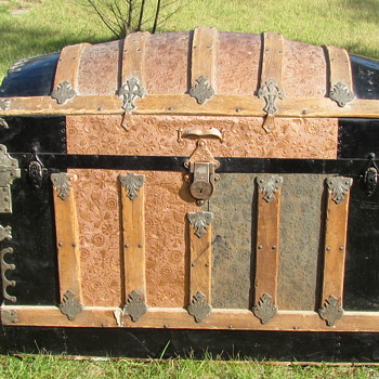 "36"" Ornate Victorian Barrel Top Trunk - Furniture"