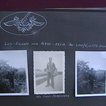 WW II Luftwaffe Anti Aircraft Gun Crew Photos - Military and Wartime