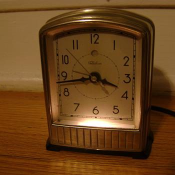 "Telechron Model AB711 ""Alarm-Lite"""