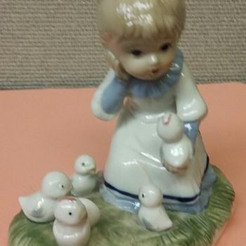 ceramic or porcelain figurines boy w/bunnies girl w/chicks