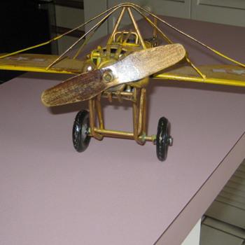 Vintage metal plane - Toys