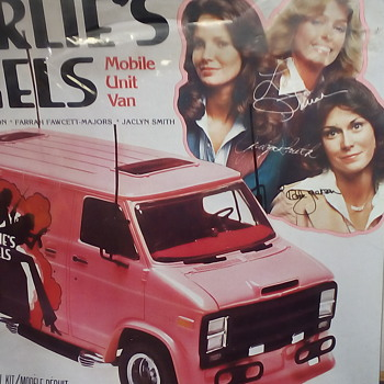 Charlie's Angels Mobile Unit Van - Model Cars