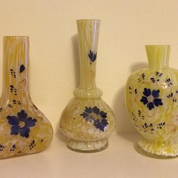 "3 little ""granny"" vases - Welz (?)"
