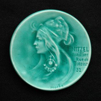 """GEORGES DREYFUS & ALFONS MUCHA """" Profil à la boucle d'oreille"""" majolica dish  - Art Nouveau"""