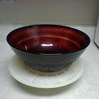 CRIS  D' ARQUES DURAND RUBY RED BOWL - Glassware