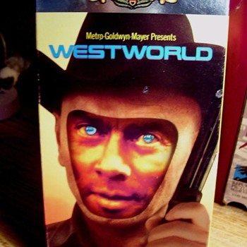 "1973--CREEPIEST!  ""WESTWORLD""  SCI-FI/THRILLER , YUL BRYNNER,"