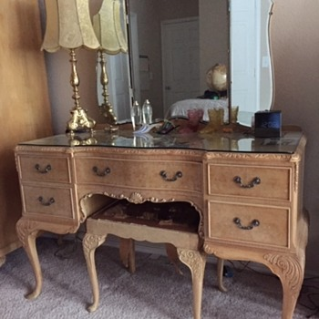 Hunters Of Derby English Bedroom Suite +Special Hardware? - Furniture
