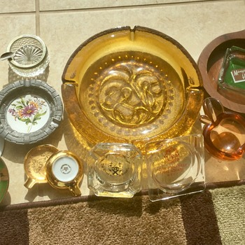 Ashtray jackpot at local flea market - Tobacciana