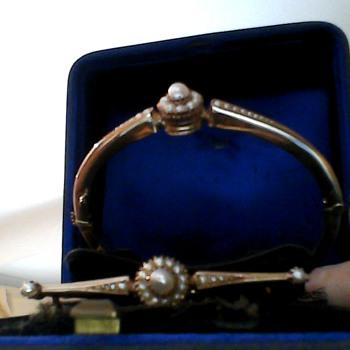 For my granddaughter Netta, a family treasure. - Fine Jewelry