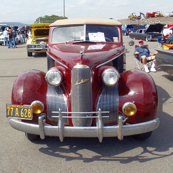 1939 LaSalle Front End view - Art Deco