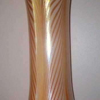 KEW- BLAS  VASE C. 1900 - Art Glass