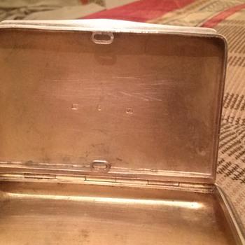 vintage silver cigarette box ? - Tobacciana