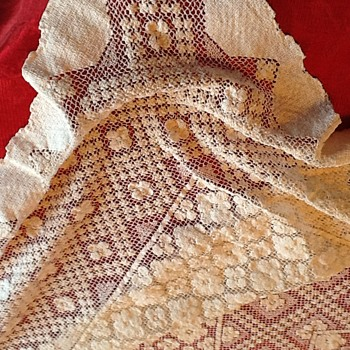 Vintage crocheted tablecloth..... - Rugs and Textiles