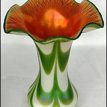 Imperial Free Hand Vase c. 1923 - Art Glass