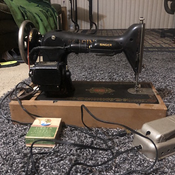 Singer sewing machine serial number G 0094450 - Sewing