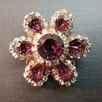 Vendome flower brooch  - Costume Jewelry
