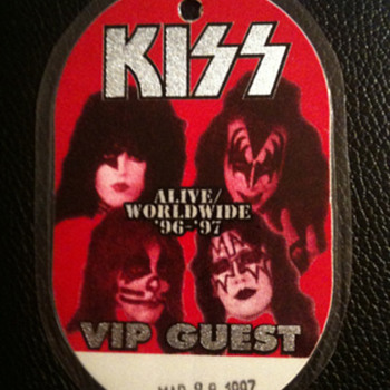 KISS VIP PASS - Music Memorabilia
