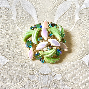 Schiaparelli Iridescent Pastel Green Molded Carnival Glass Rhinestone Brooch - Costume Jewelry