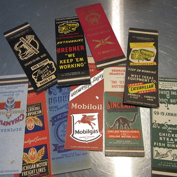Matchbook covers no strikers  - Tobacciana