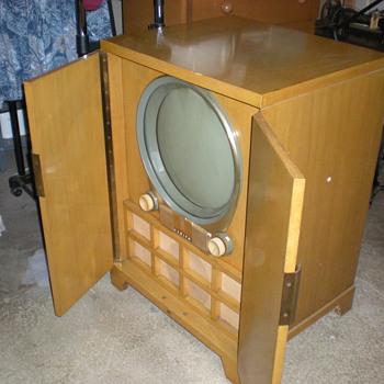 early television - Radios