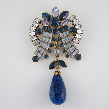 Beautiful Vintage Brooch Identification? - Costume Jewelry