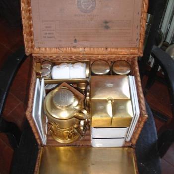 """En Route Tea Basket""    Drew' patent - China and Dinnerware"
