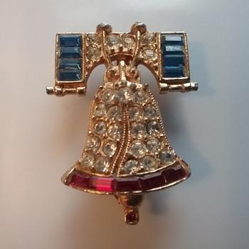 Cinerama Liberty Bell brooch  - Costume Jewelry
