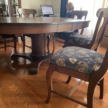 Dining room furniture - Furniture