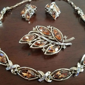 Vintage Kramer Jewelry Set - Matching Necklace, Clip on Earrings, and Brooch