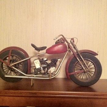 Vintage Salesman Scale Model? - Model Cars